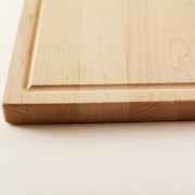 Bar cutting board with full juice groove on the four edges in maple hardwood